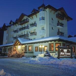 Corona Hotel Dolomites_Esterno inverno