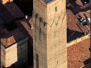 ph Torre Prendiparte,  www.prendiparte.it