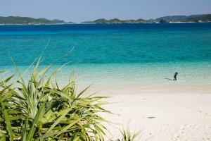 Nishibama_beach_Okinawa_Aka_Island